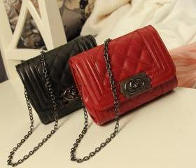 The new mini shoulder chain bag Lingge packet